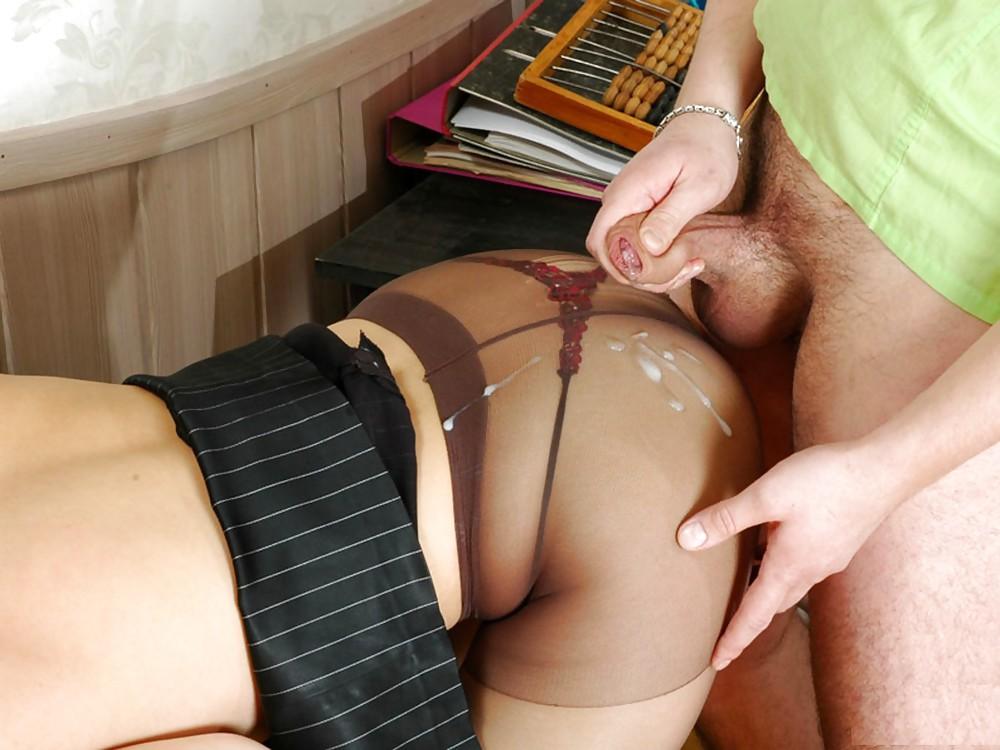 porno-konchil-ne-snimaya-kolgotok