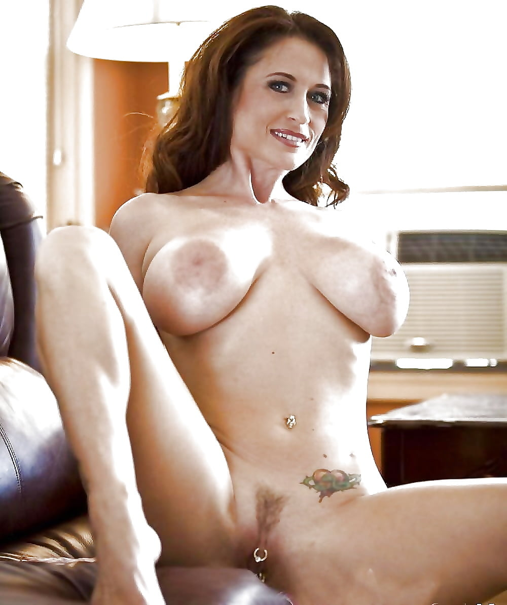 Sexy Busty Cougars Nude