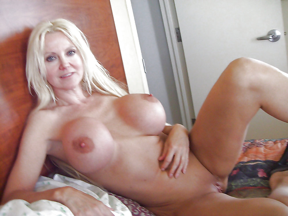 Hot mom slut partytures, big titis nicked