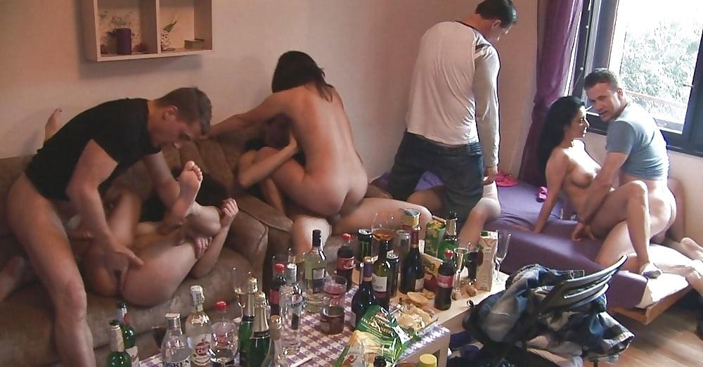Смотреть вечеринки с порно на хате, порно фетиш анал