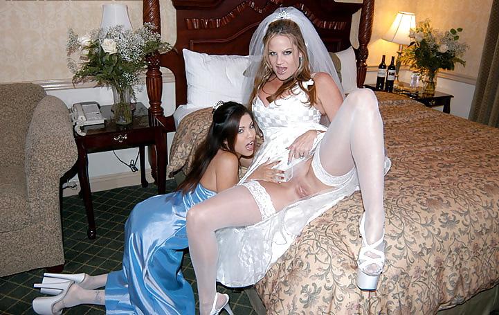 Невеста с подружками трахаются #3