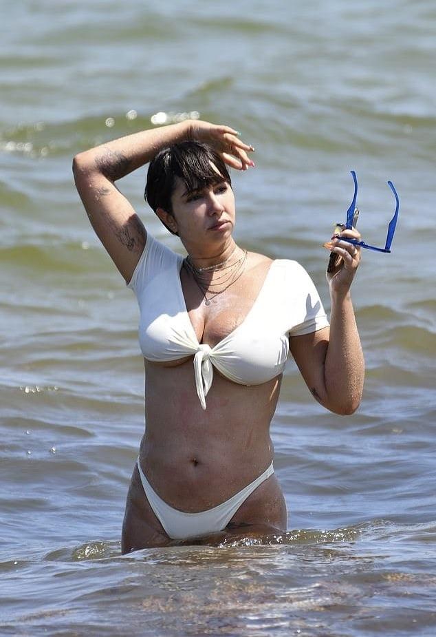 Jackie Cruz  nackt