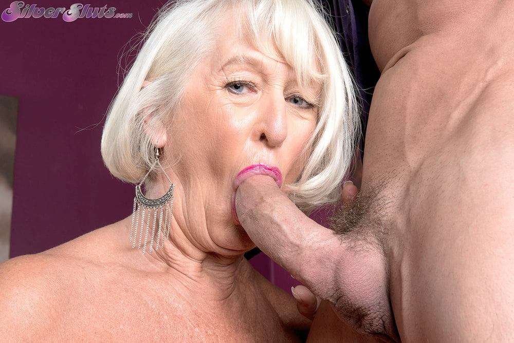 Pflegerin Oma Blonde Hardcore