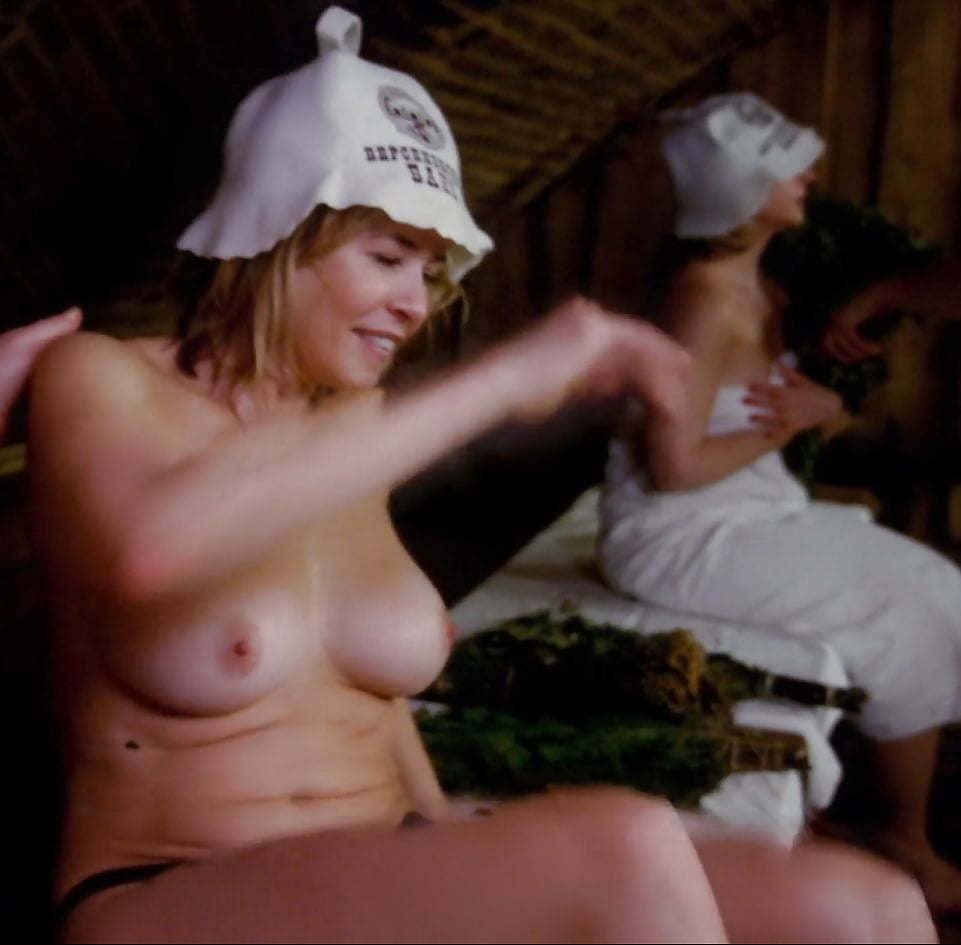 American comedian and actress chelsea handler topless photos