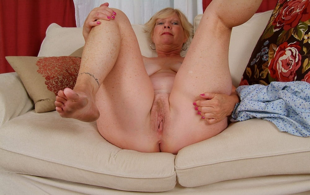 Sweet Smooth Pussy Girl Naked With Her Legs Open