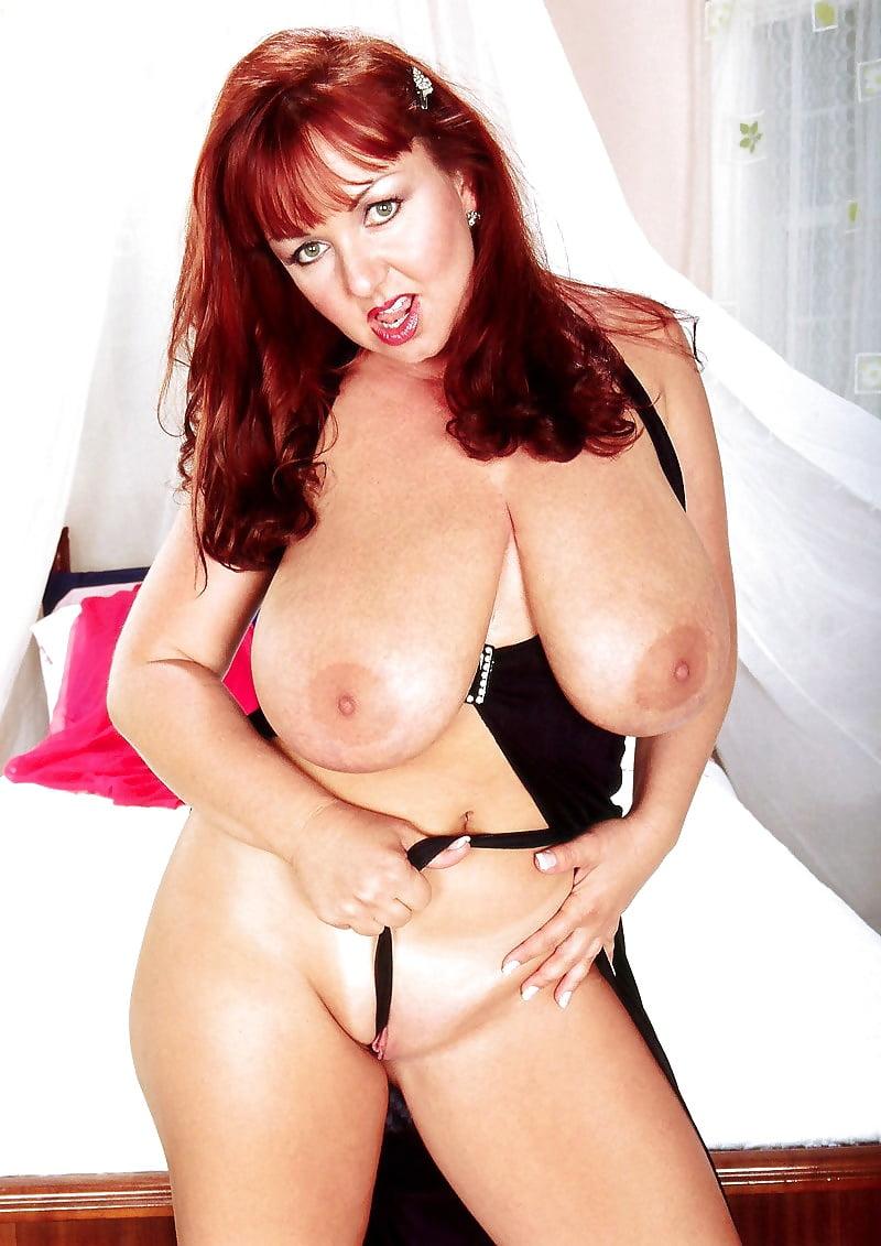 Redhead big boobs nude-2147