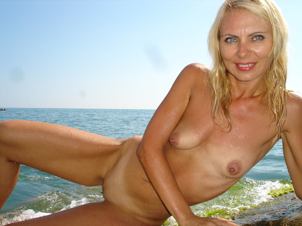 Sexy Russian Milf In Nightgown Spread Wide
