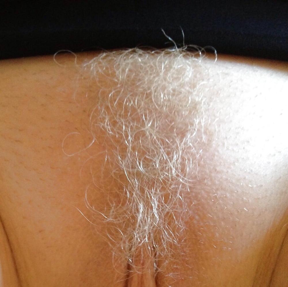 блондинки цвет волос на лобке фото