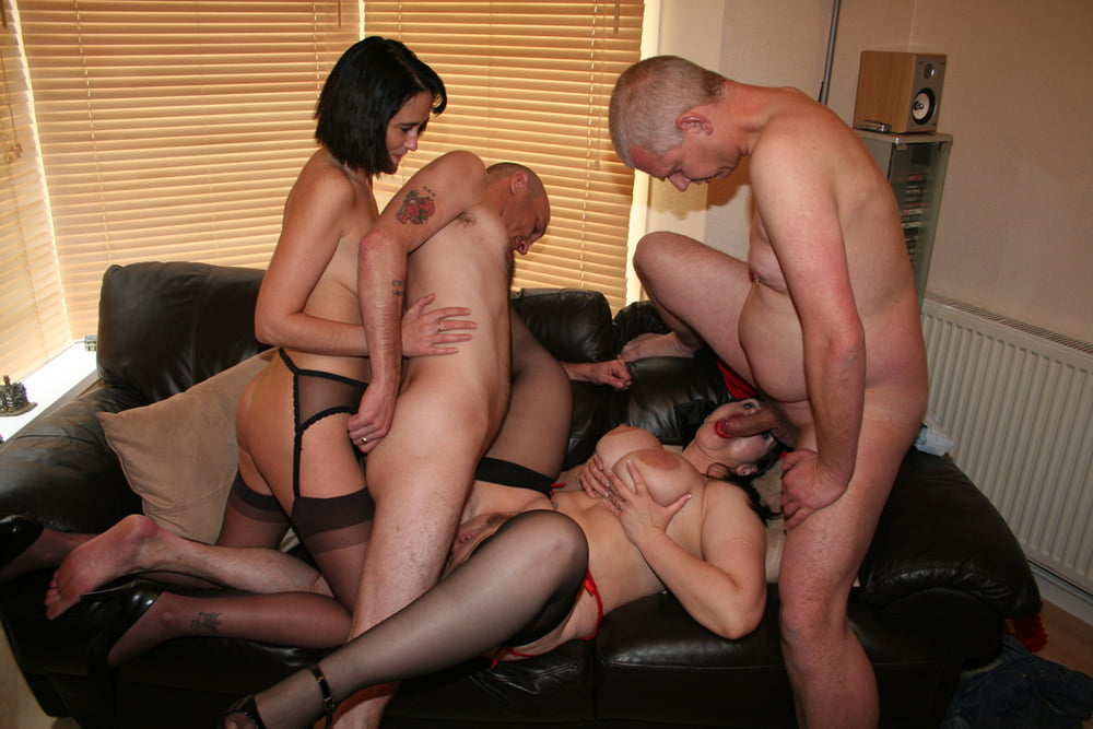 Swingerswingingswingerswife swap