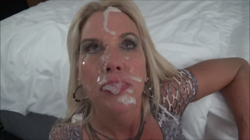 Xhamster member helps with facial of the day