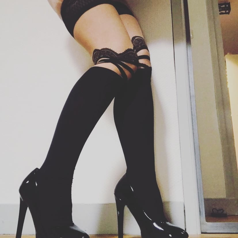 My submissive slave- 6 Pics