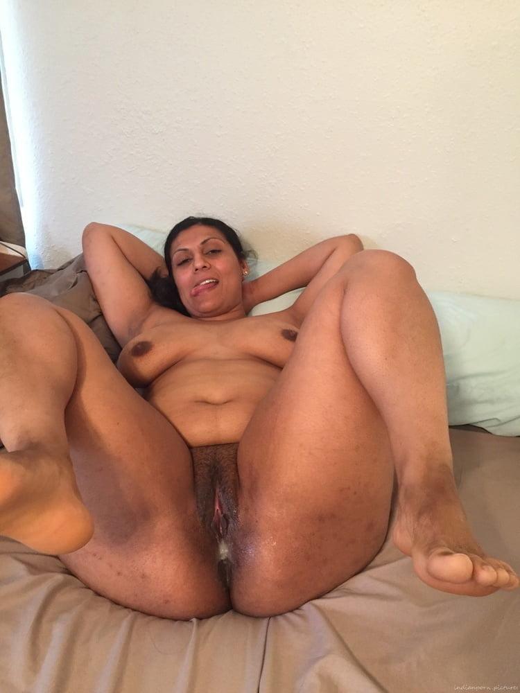 Sexy Pakistani Girls Nude Mujra