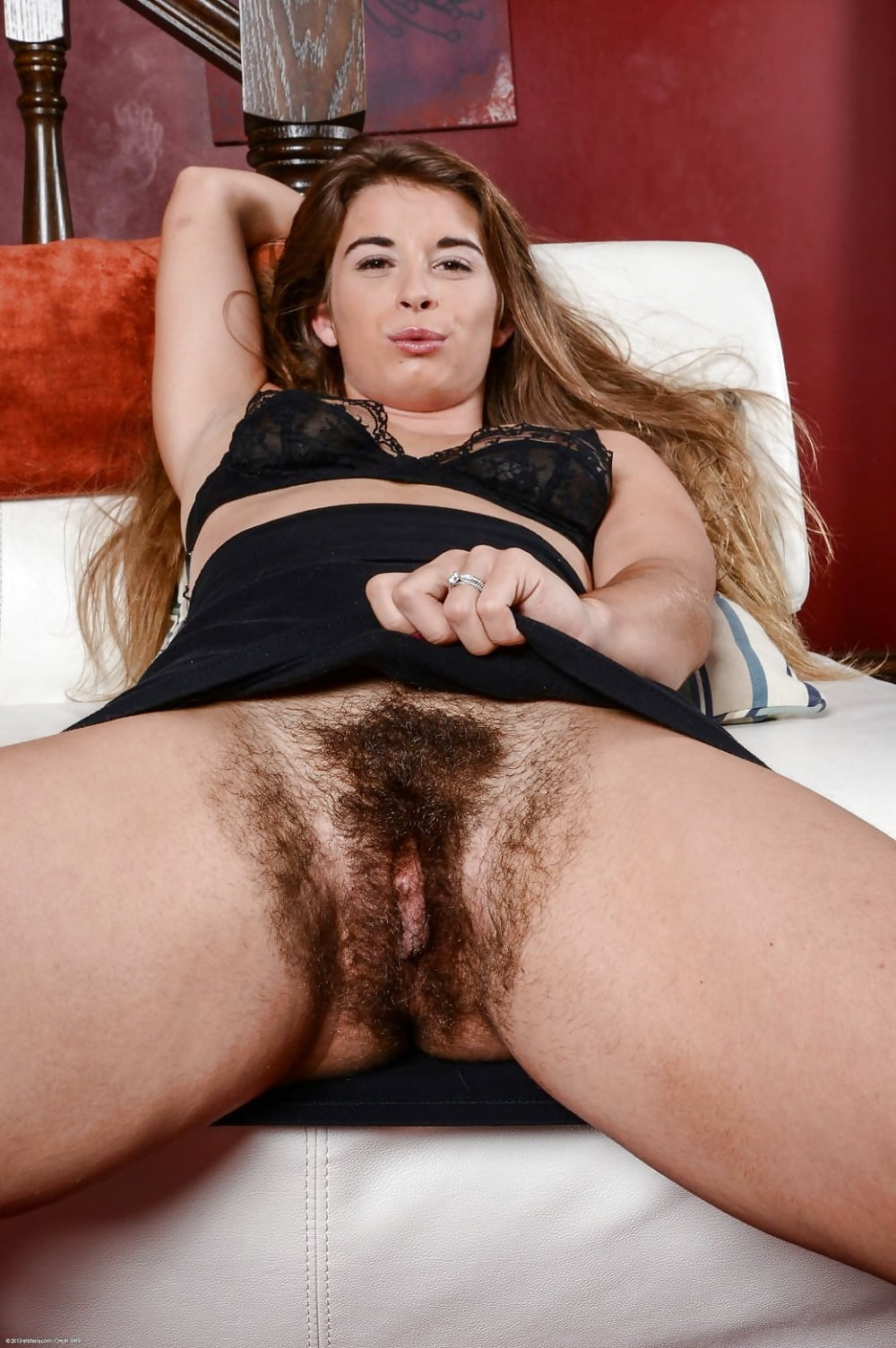 Hairy woman pussy image