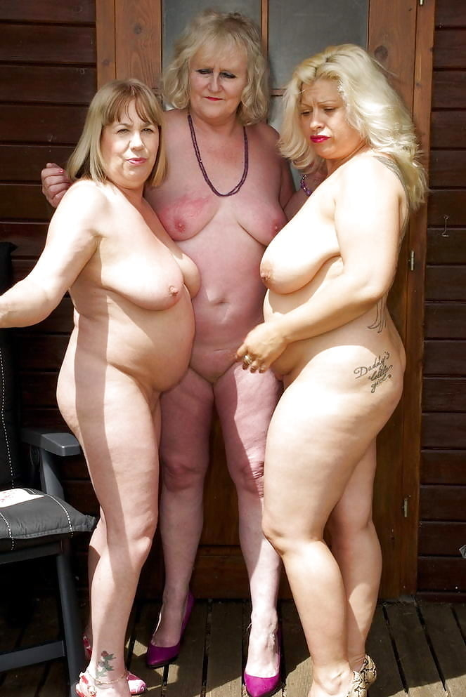 naked-woman-mature-group-great-adult-party-food