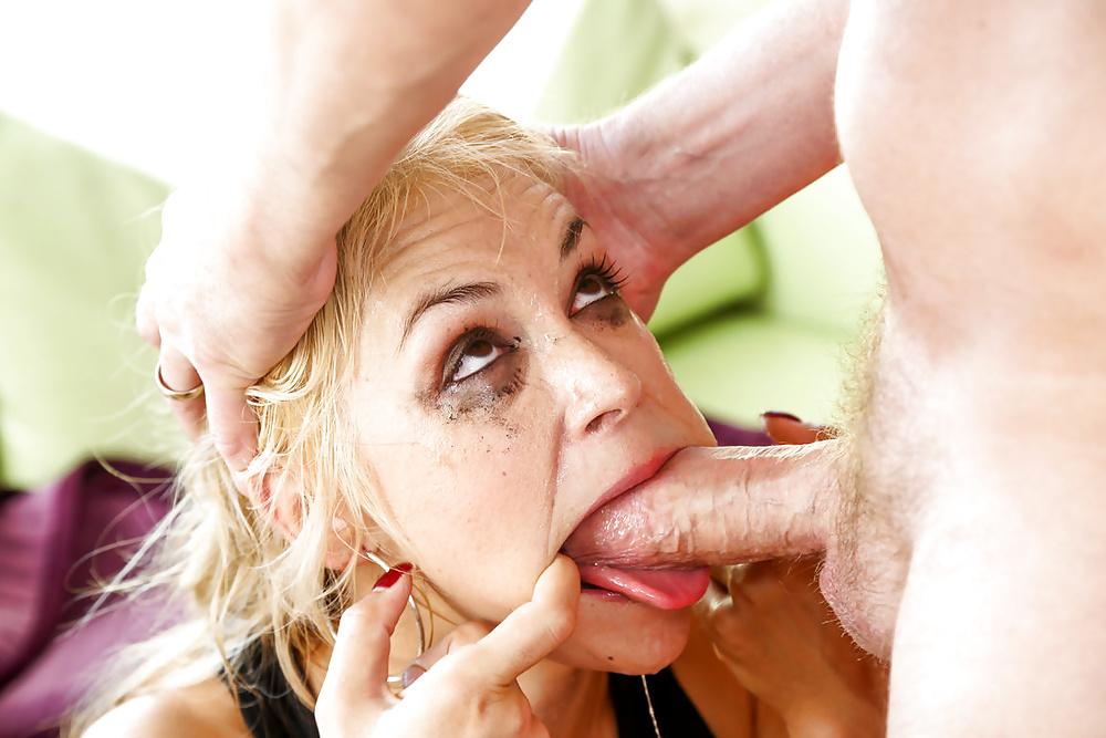 Hot shemale masturbating gallery