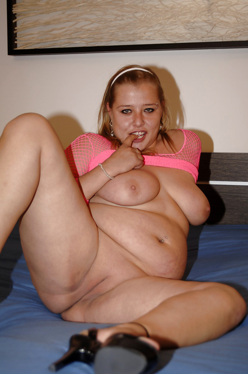horny-fat-blonde-nude