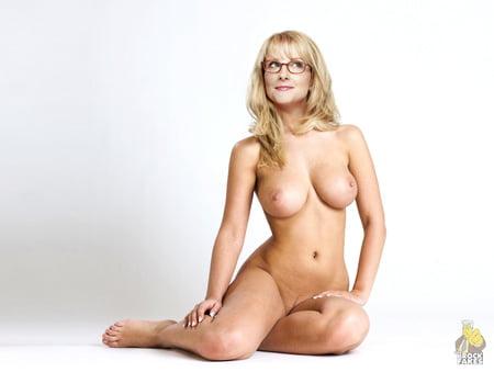 Melissa Rauch Busen