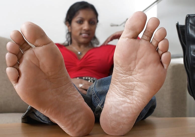What Are Some Bollywood Celebrities With The Hottest Feet And Legs