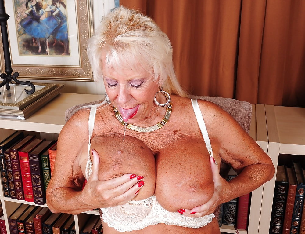 hottest-grandma-big-boobs