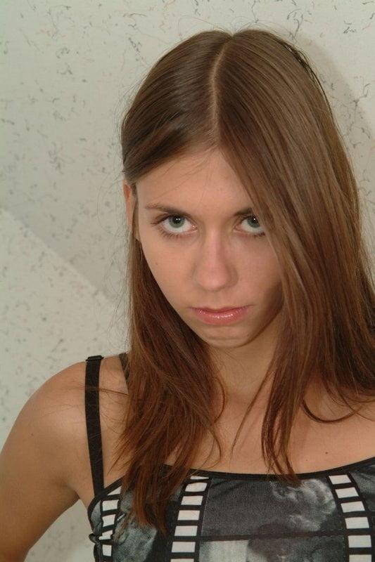 Watch castigando hija por pasar toda noche fuera casa mp4mp - 3 7
