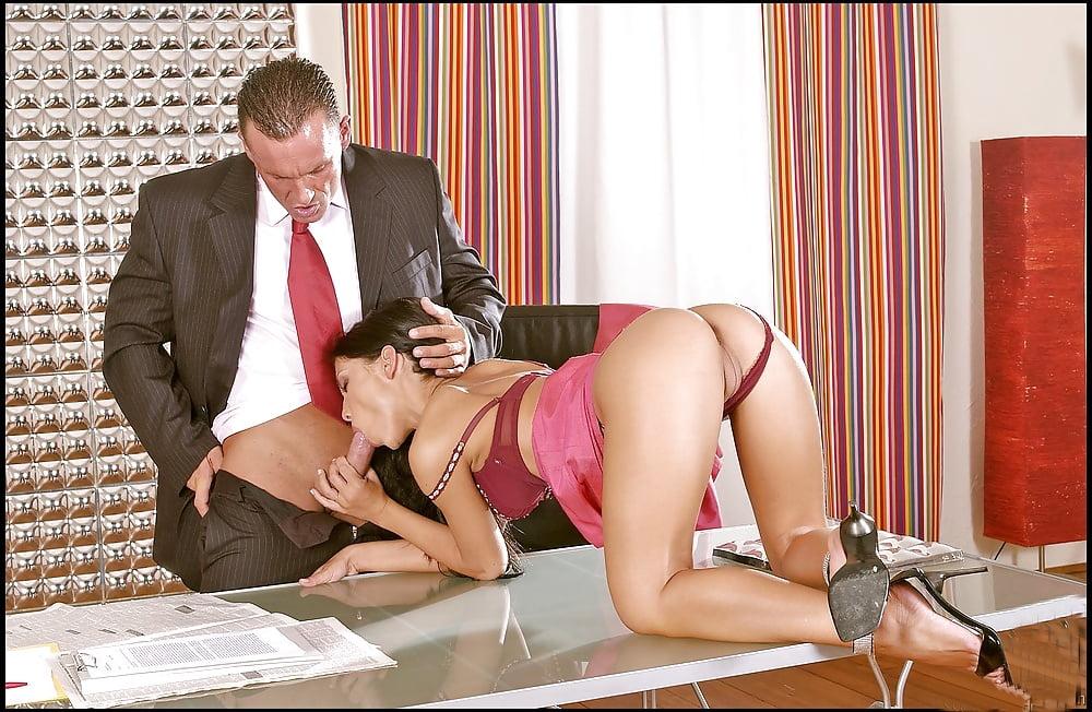 Малые губки начальник и бухгалтер секс порно