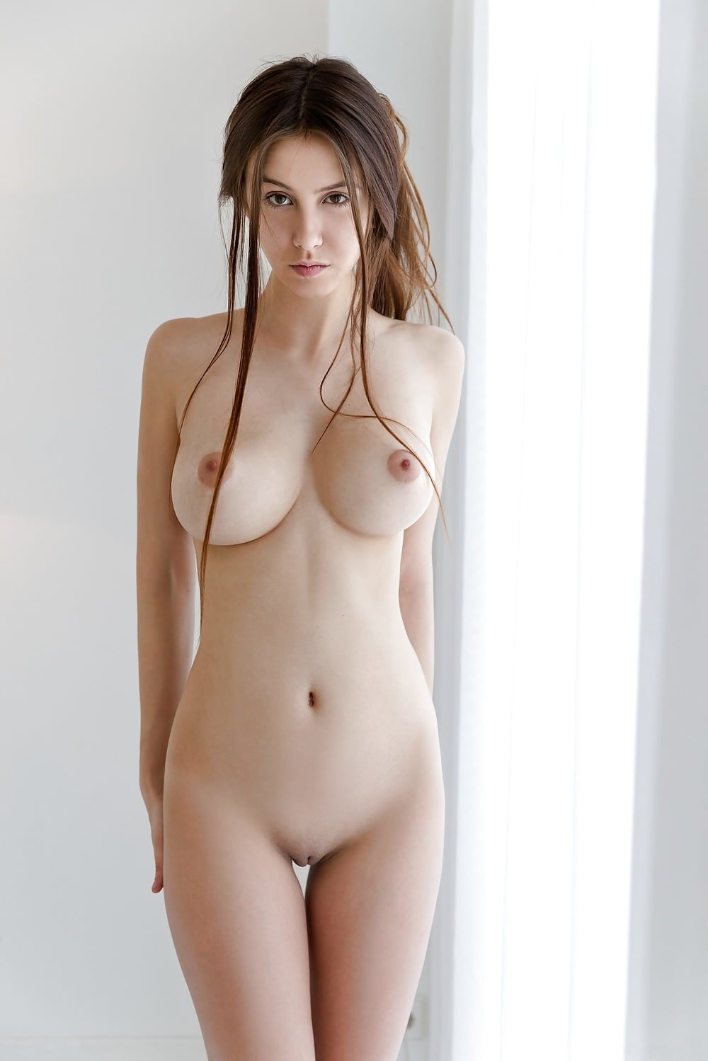 simply-nude-and-naked-girl