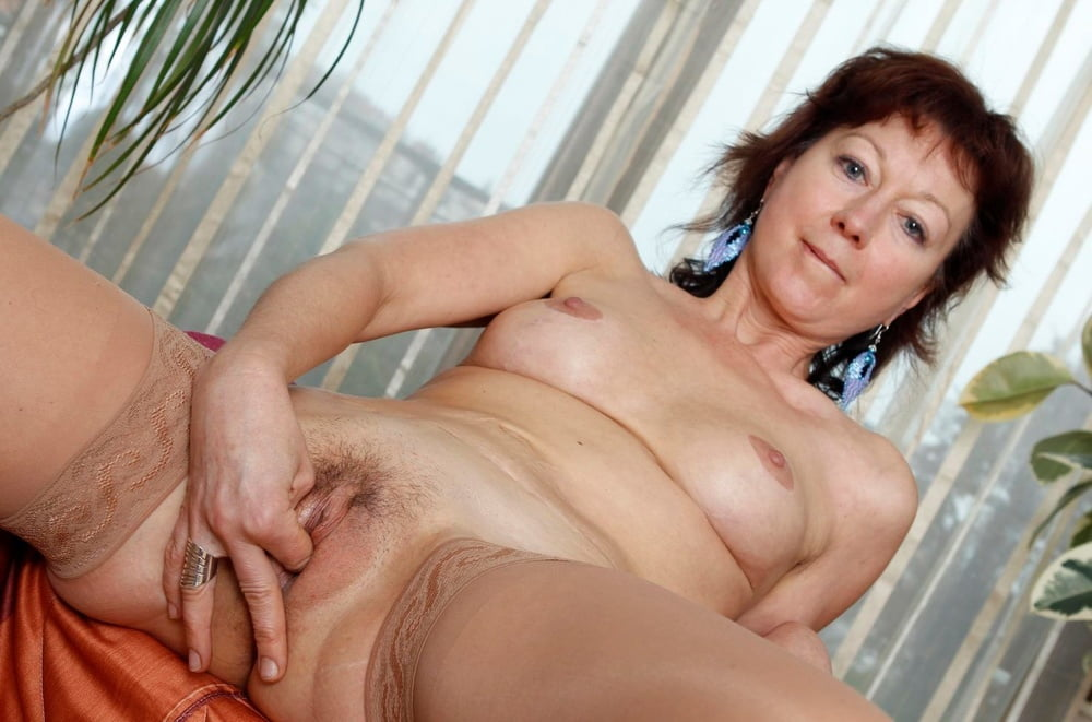 mature-real-wet