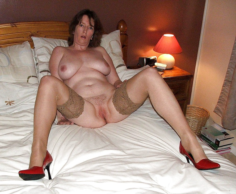 Free amateur mature housewives