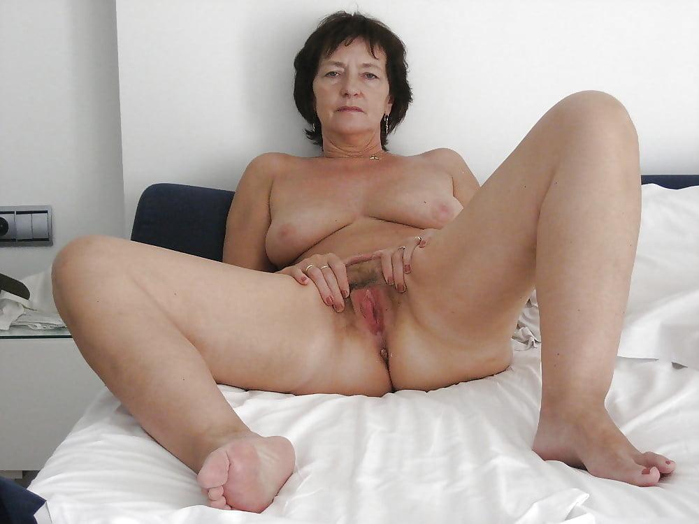 Older women nipples pics