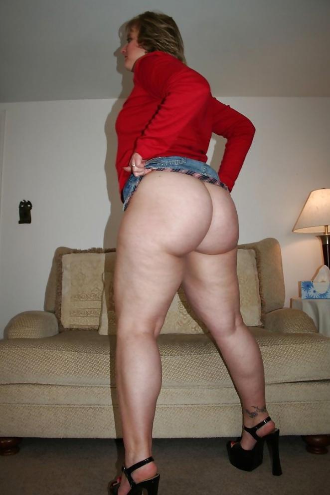 Девушка домашнее фото жена с большими ляжками спермы сиськах