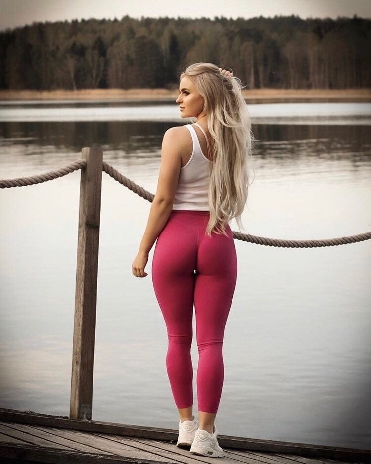 sexy-girl-ripped-tight-clothes