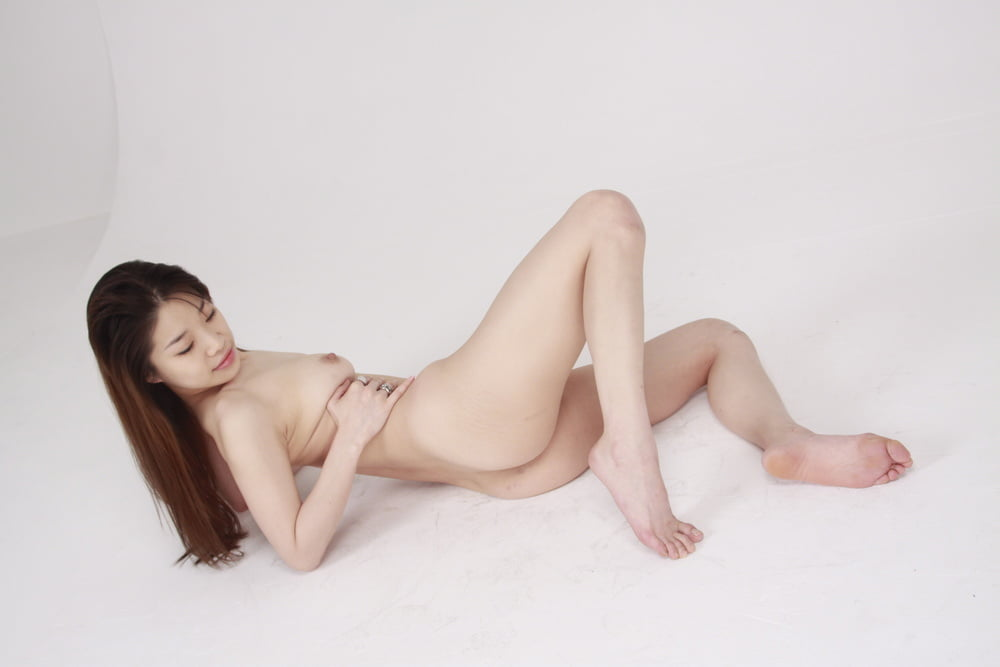 Eye of chinese girls like a pussy