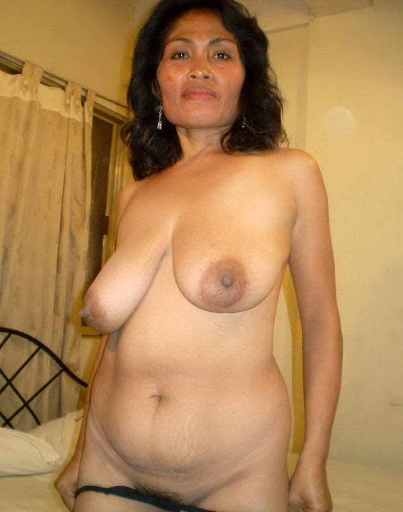 malay-granny-naked