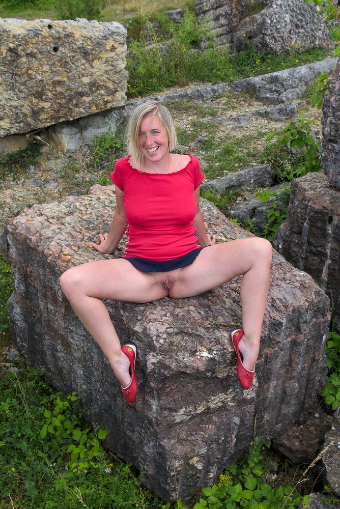 Red dress - 8 Pics