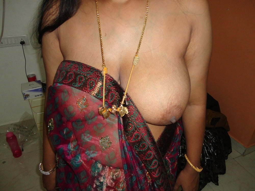 indian-aunty-boobs-show