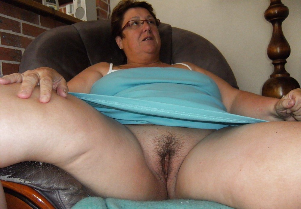 Amateur Bare Pussy Old