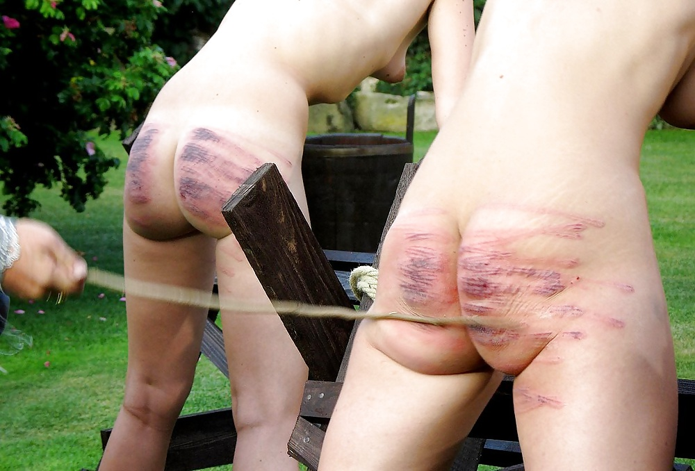 Порно видео розгами по голой жопе