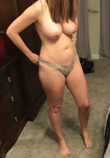 Amateures and matures in bra and panty mix 2 - 60 Pics