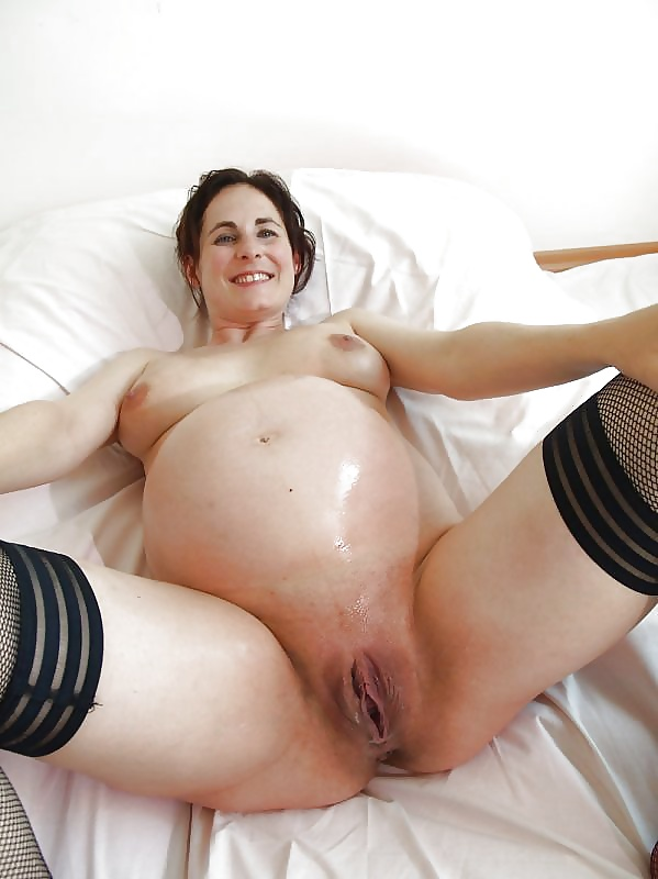 Pregnant pussy naked