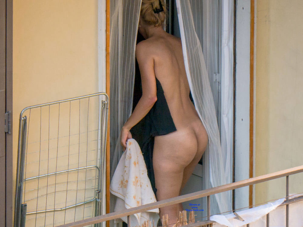 Nude voyeur pics