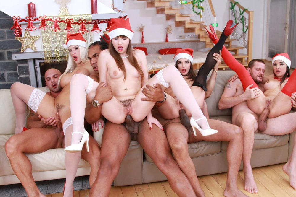 резкая смена смотреть порно оргия на новый год устроить