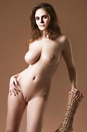 hot naked ino boobs