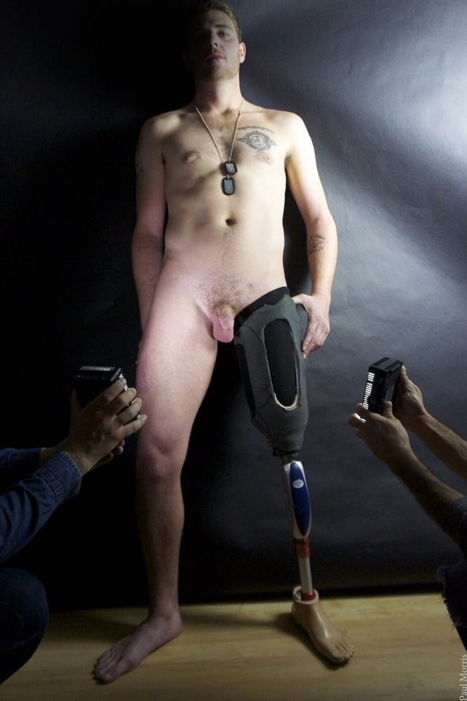 Male amputee nude — pic 4
