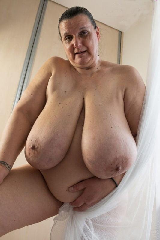 это большие груди старушек куда без