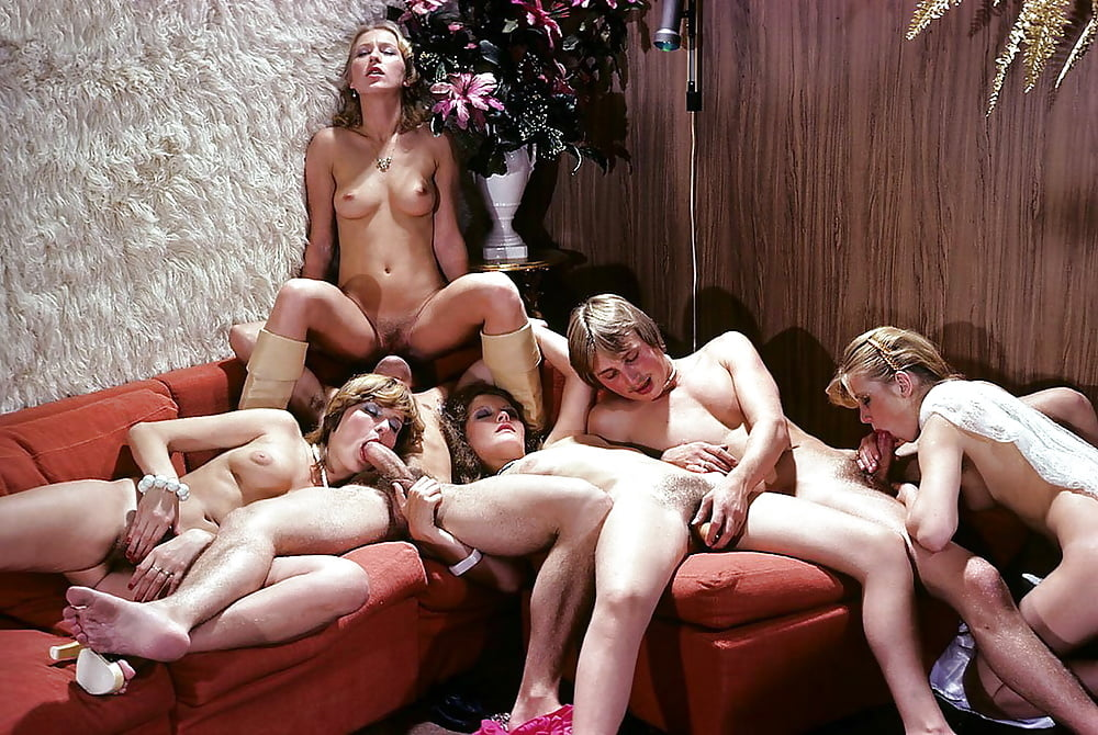 Real amateur gay group sex