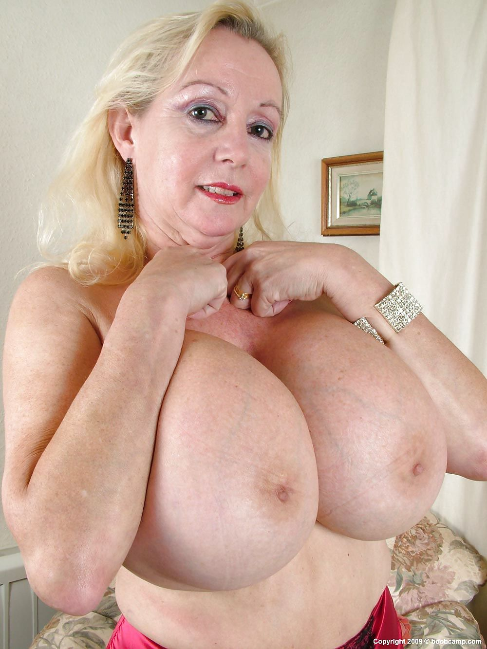 Old Women Natural Tits Pics