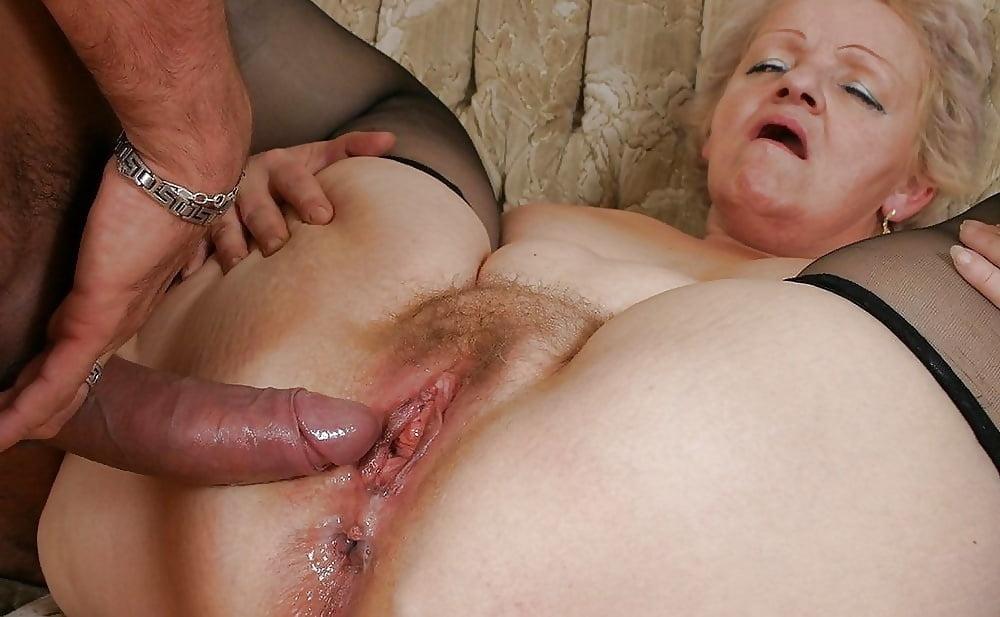 Kathy Hilton Boob