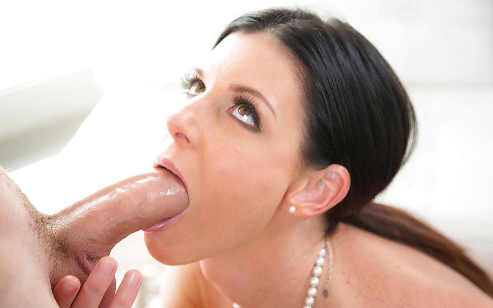 Dicksucking Loving Brunette Spoils Cock 1
