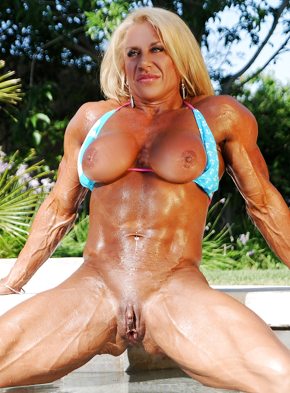 Women bodybuilders clitoris steroids — img 6
