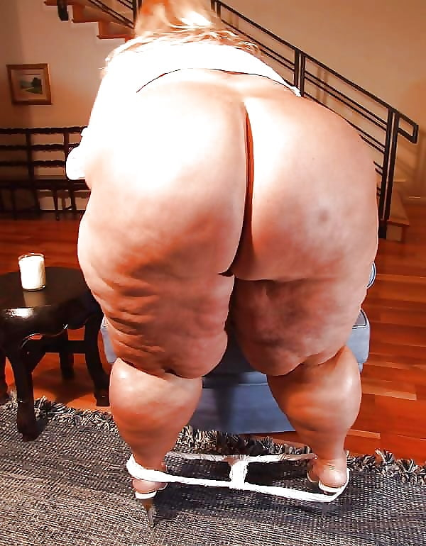 James Charles Tweeted That He Had A Fat Ass And, Yeah, Drama Ensued